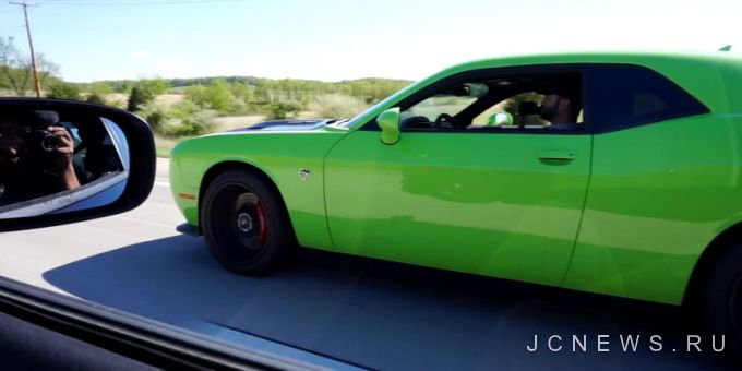 Стрит-рейсинг: Dodge Charger SRT Hellcat и Challenger SRT Hellcat
